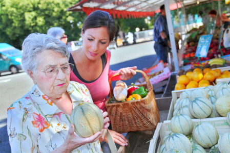 How to Make Grocery Shopping More Convenient for Seniors